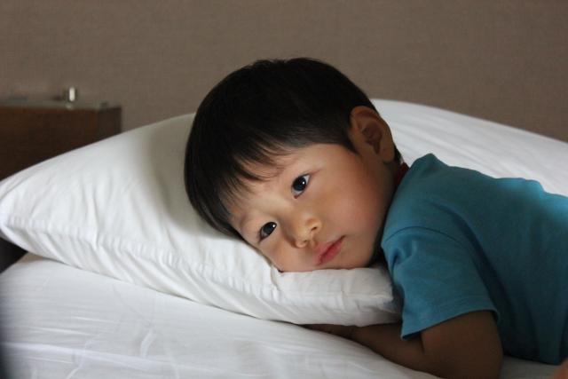 子供がなかなか寝ない時に見せたい!一瞬で寝付くおすすめ動画