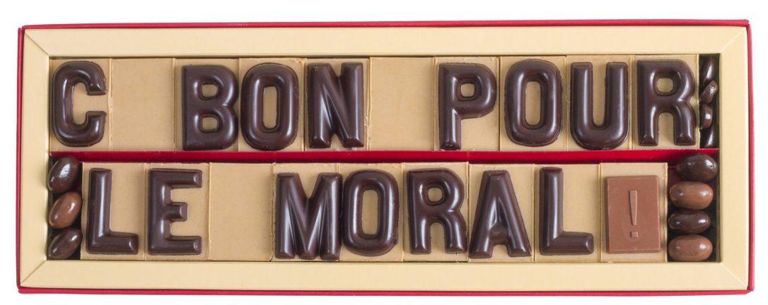 boite-chocolat-20-lettres-message-cest-bon-pour-le-moral.jpeg