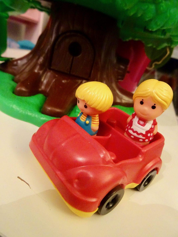 red couvrir son jouet d enfance avec sa chipie l arbre magique de vulli maman et sa chipie. Black Bedroom Furniture Sets. Home Design Ideas