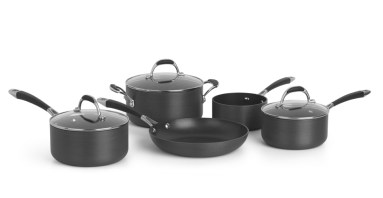 1778682679f9df2b5e7003ff6ded5815e8b89f15_CWRFUS001BLK_UK_Fusion_5Piece_Cookware_Set_Hard_Anodised_LB01