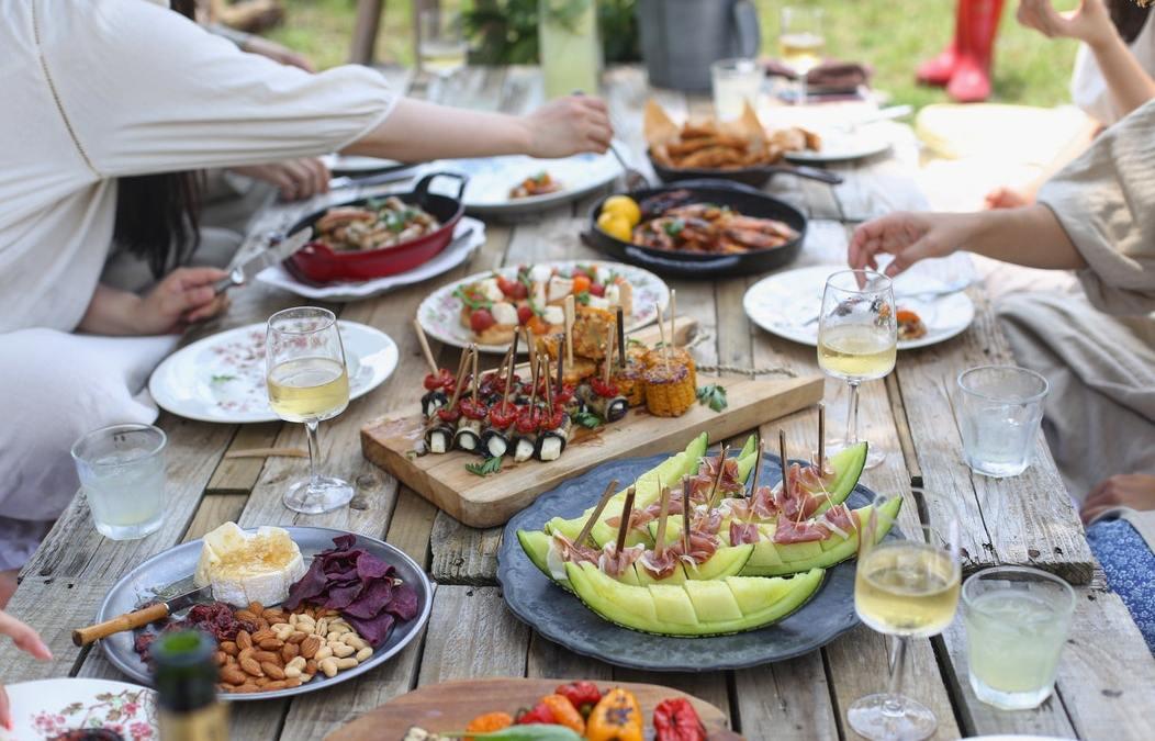 Idées repas faciles à préparer pour vos grandes tablées d'été