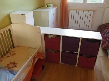 """La chambre des enfants """"avant"""" avec la fameuse séparation filles/garçon !"""