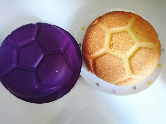 Tupperware Moule football silicone (1)