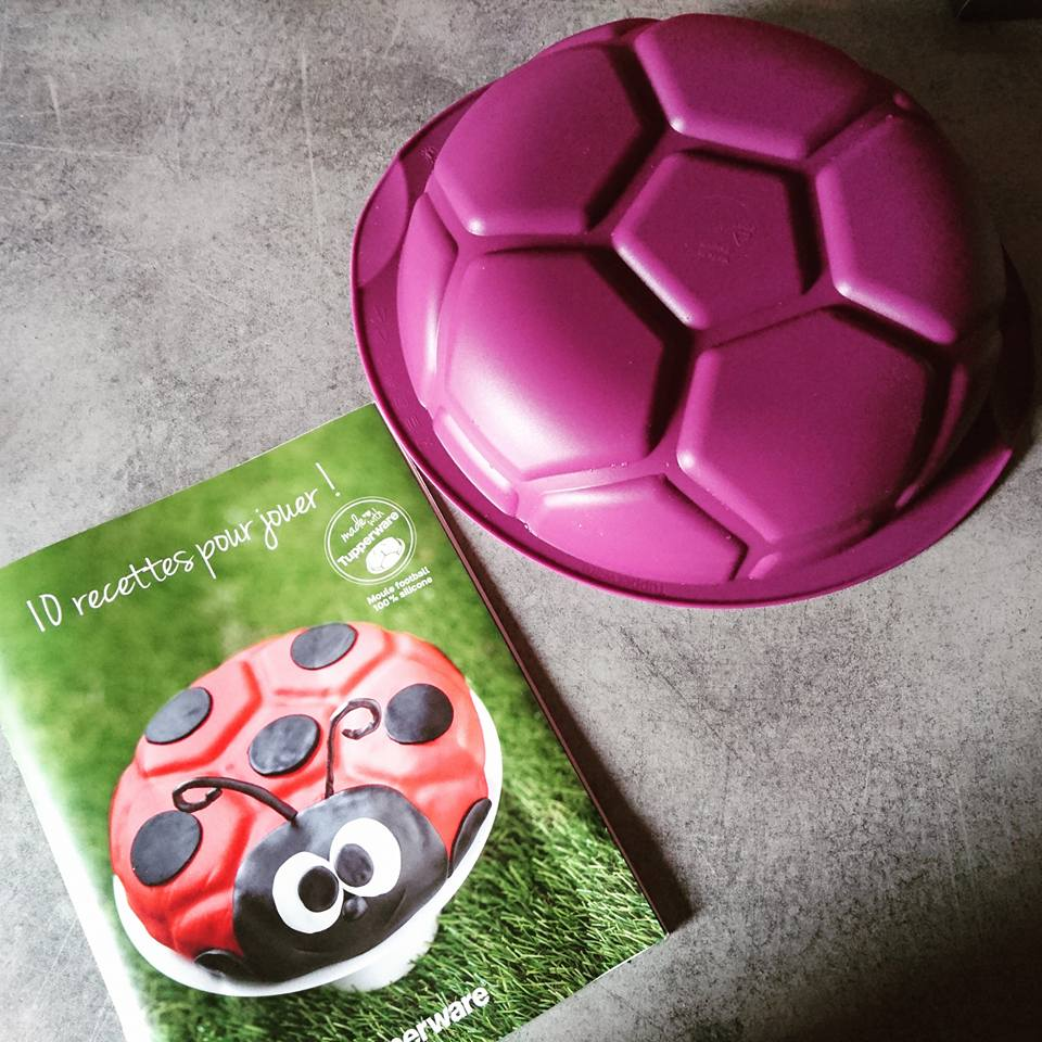 Top Tupperware, fête l'euro avec son Moule football silicone GO96
