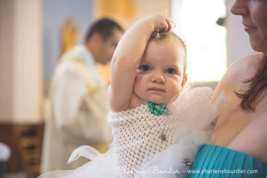 DECO  LES ÉLÉMENTS DU BAPTÊME D'ALICE (8)