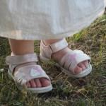 Des jolies chaussures d'été aux pieds de ma princesse avec chaussures Online  !