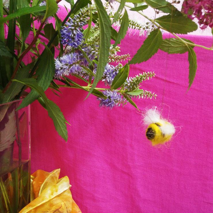 Waldorf Steiner Kindergarten Acorn Bee|| Mamanushka.com
