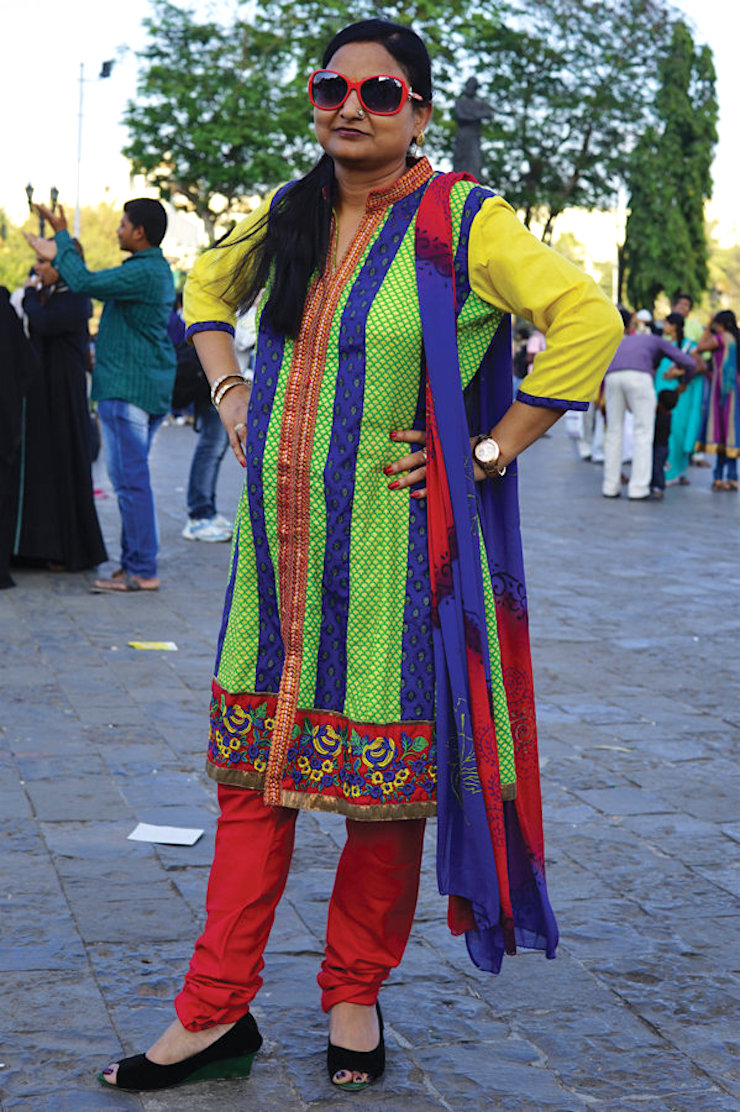 Love Our Aunties || Upping The Aunty Street Style, Poonam Aunty by Artist Meera Sethi || Mamanushka.com