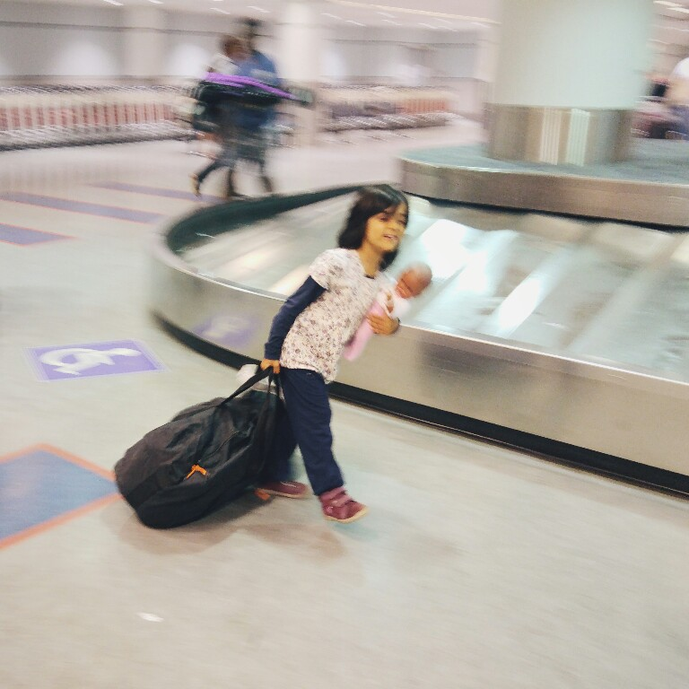 Mamanushka.com || Travel || Luggage Handler