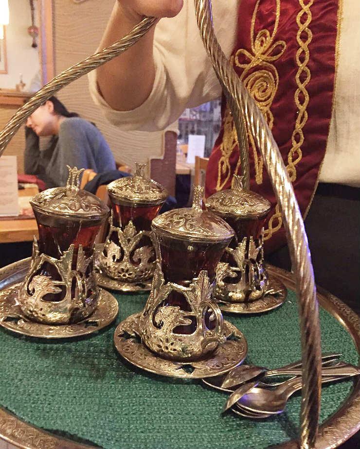 tea-party-via-mamanushka-blog