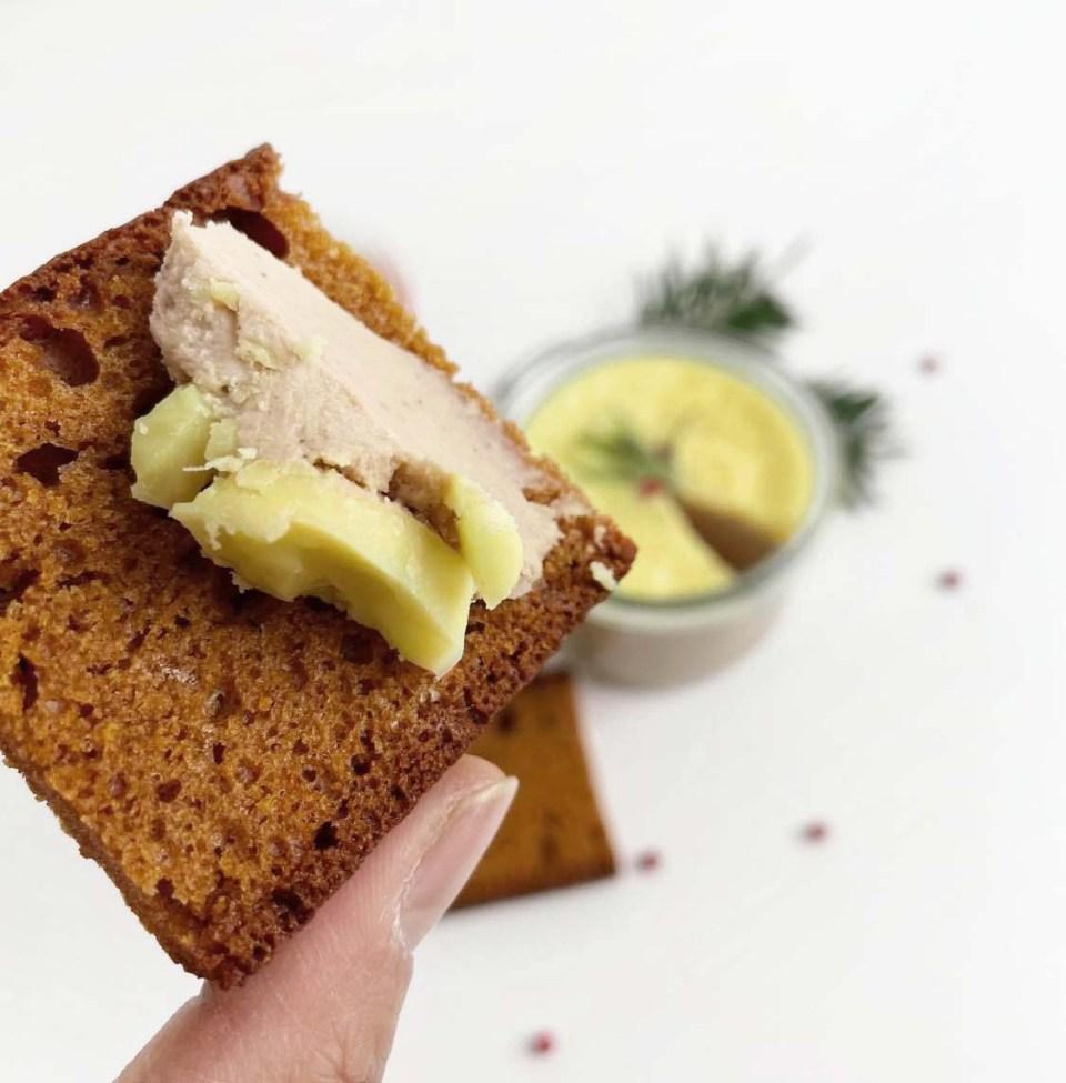foie gras vegan ou terrine végétale pain d'épices