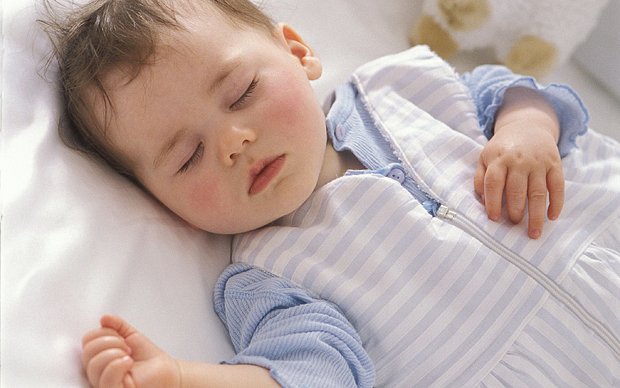 spavanje-bebe-na-ledjima