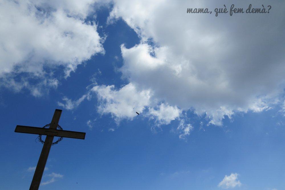 Águilas sobrevolando la Creu de Gurb