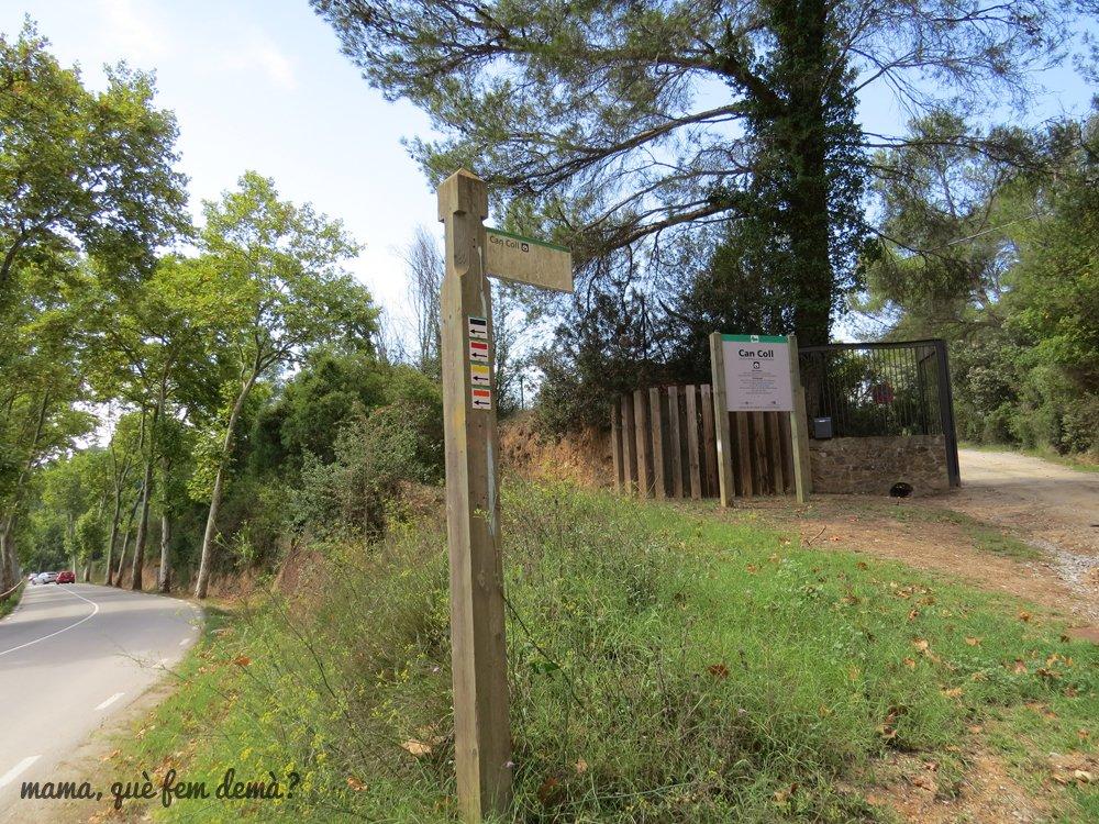 Acceso a la Masía de Can Coll de Cerdanyola del Vallès