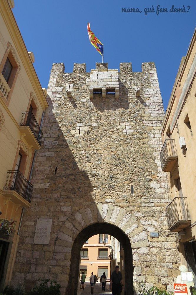 portal de Bové de Montblanc