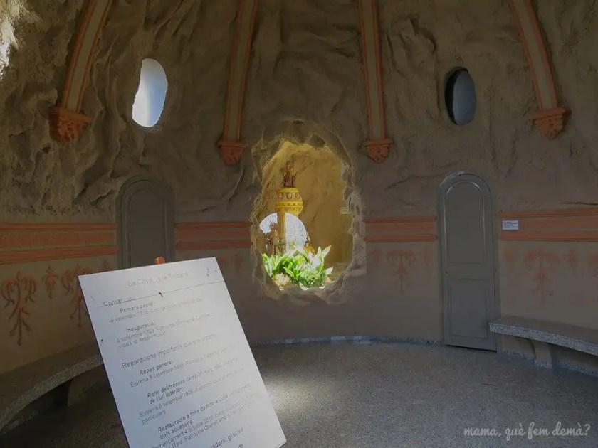 Interior de la La Cova de Santa Maria de Queralt