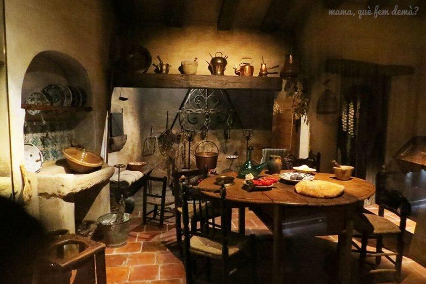 Recreación de una cocina antigua en el Museu de la Vida Rural