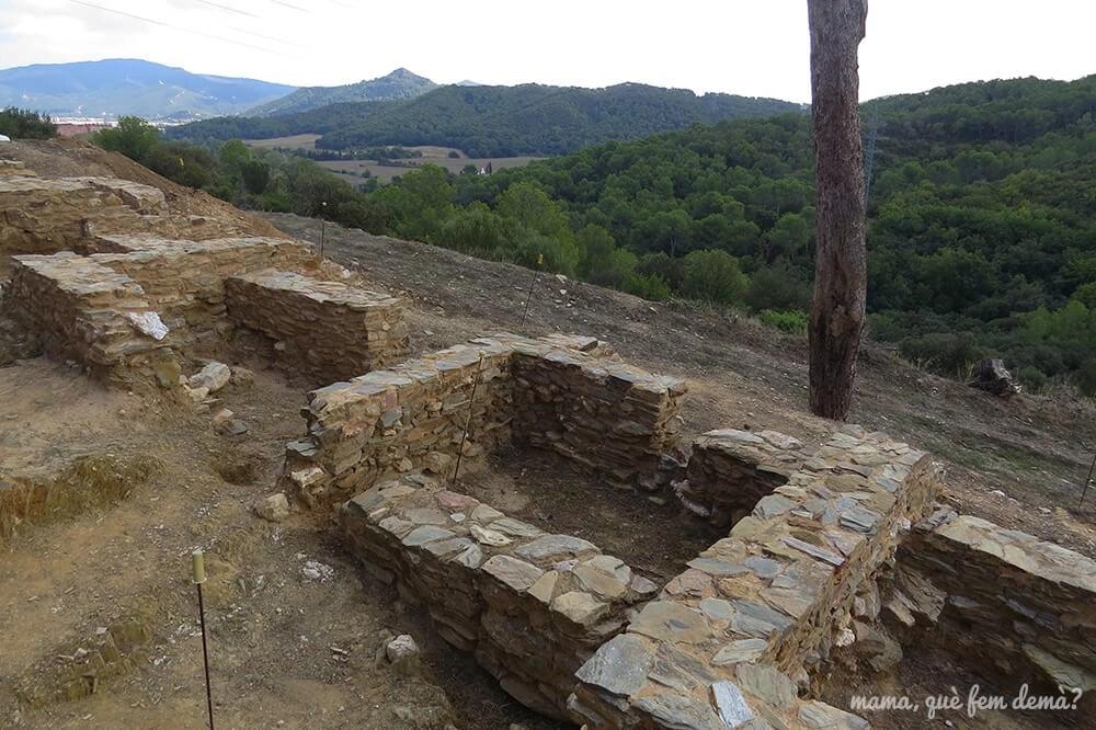 Vistas de Collserola desde el Poblat ibèric Ca n'Oliver de Cerdanyola del Vallès