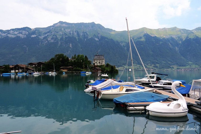 Iseltwald, lago de Brienz en Suiza