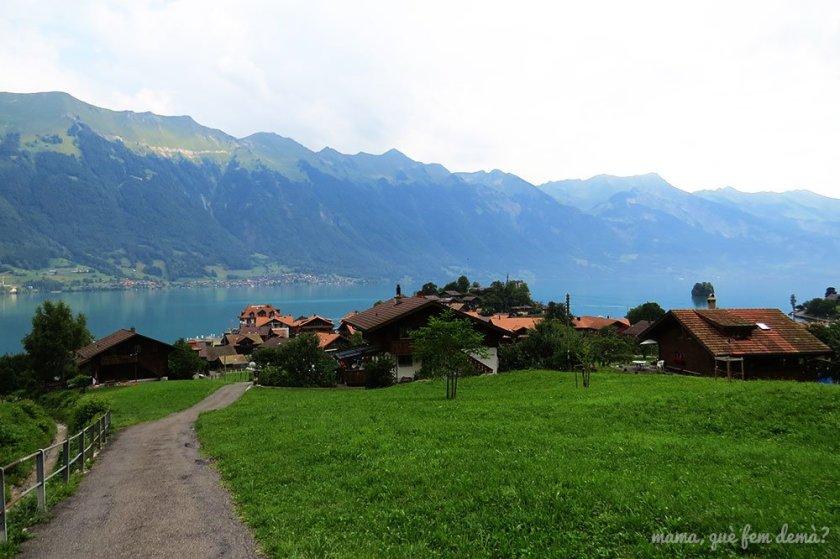 Camino que va hacia Iseltwald, Suiza