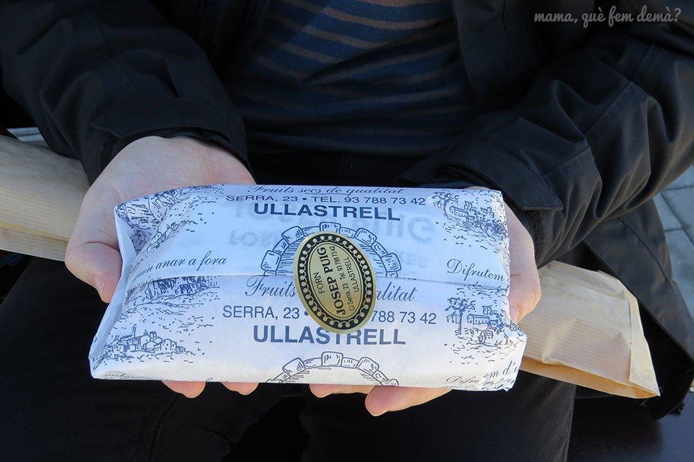Coca de crema de una de las panaderías de Ullastrell