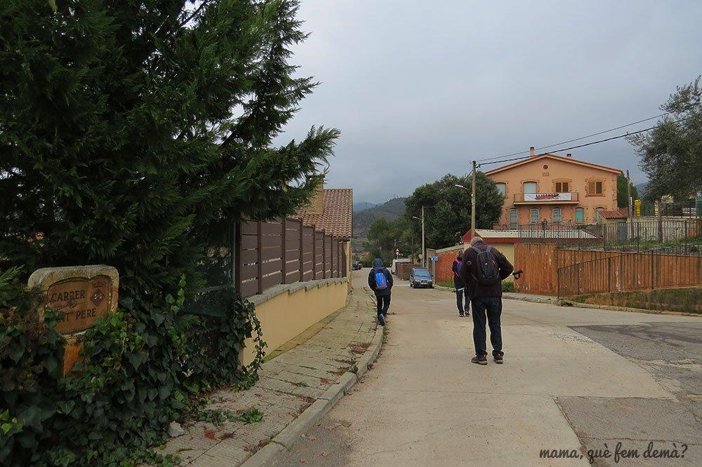 Inicio de la excursión hacia la Balmá de l'Andaló de Rellinars
