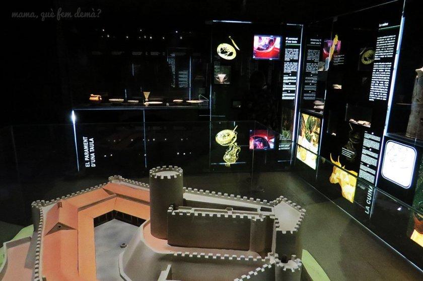 Sala del Castell de Montsoriu en el Museu del Montseny