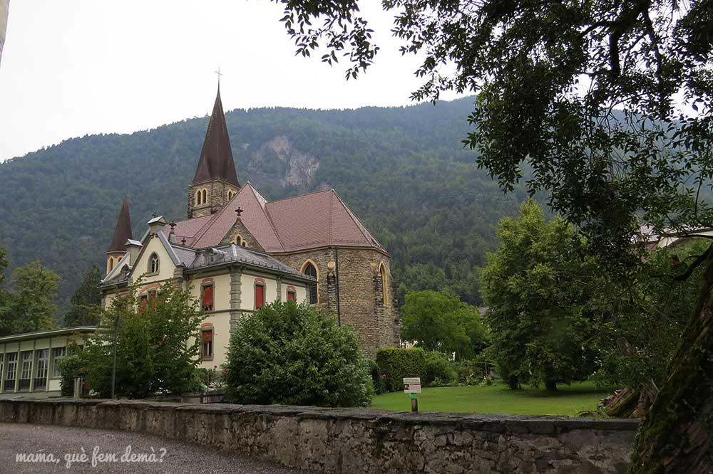 iglesia del castillo de interlaken