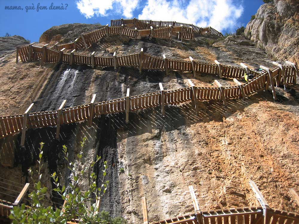 escaleras de Montfalcó