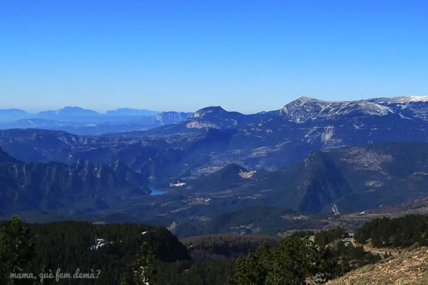 vistas del embalse de la Llosa del Cavall en el Solsonès desde Rasos de Peguera