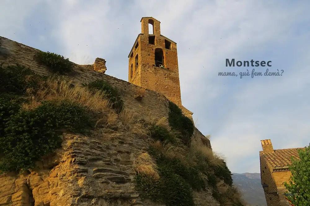 Exterior del castillo y colegiata de Sant Pere de Àger