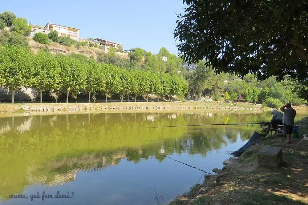 pescadores en el Llac de Navarcles