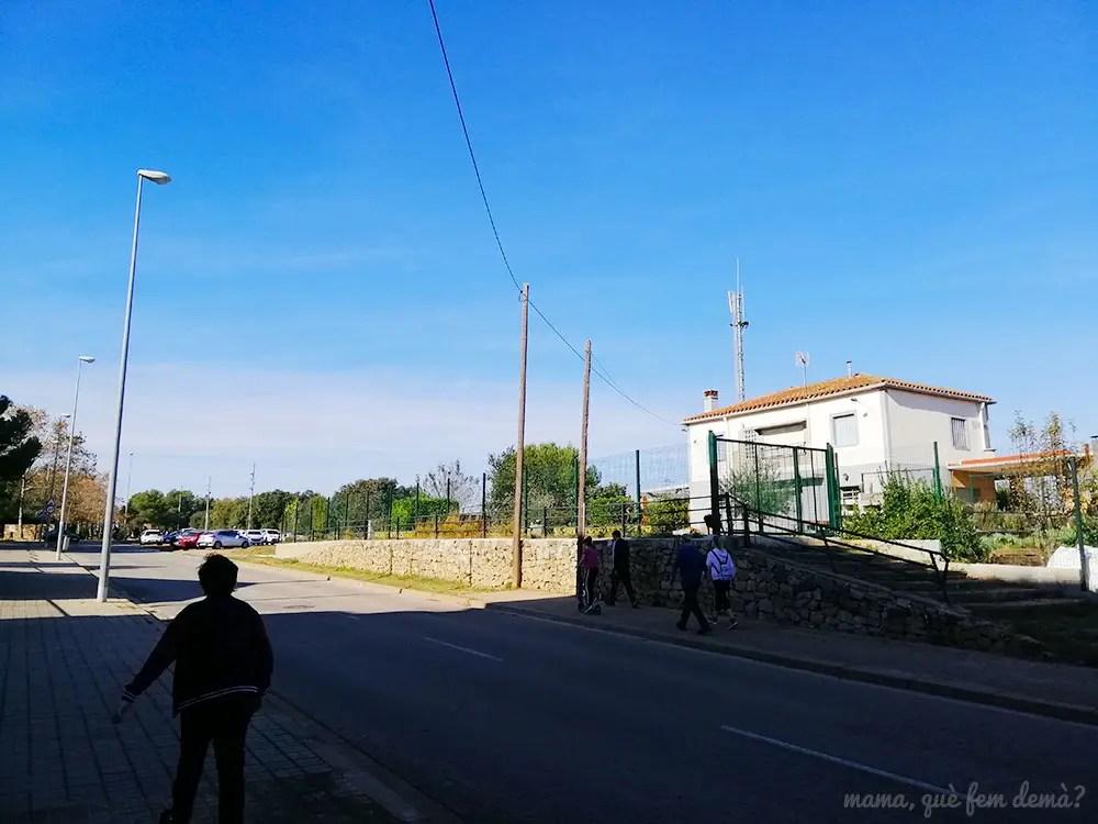 exterior del apeadero de Castellarnau en Sabadell