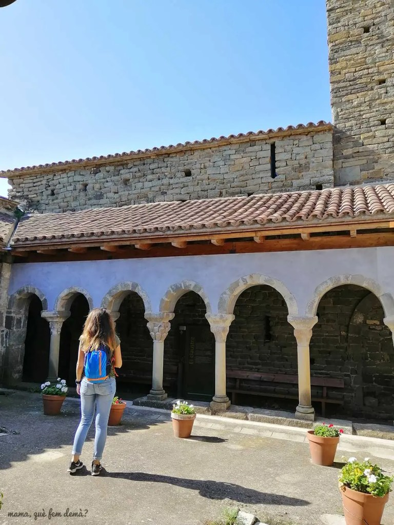 claustro del Monestir de Sant Pere de Casserres