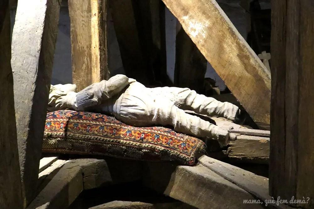 Wooden Man, niño de madera en la azotea del Castillo de Egeskov