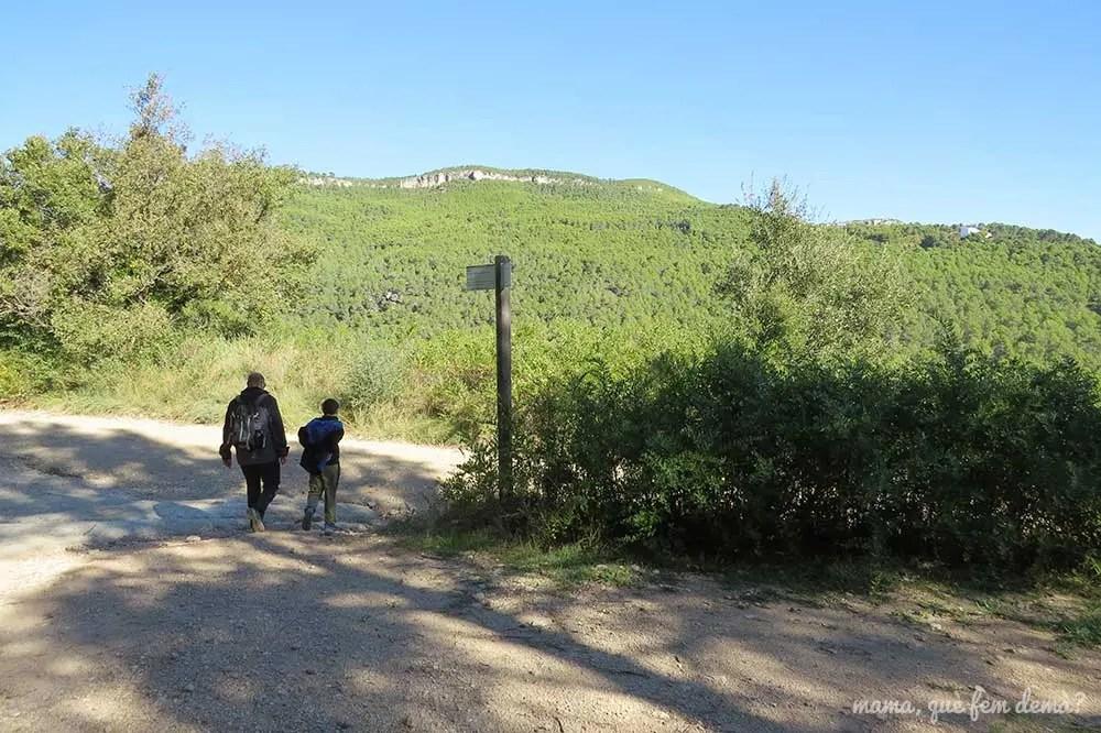 Bifurcación hacia la Masia de les Valls del Foix