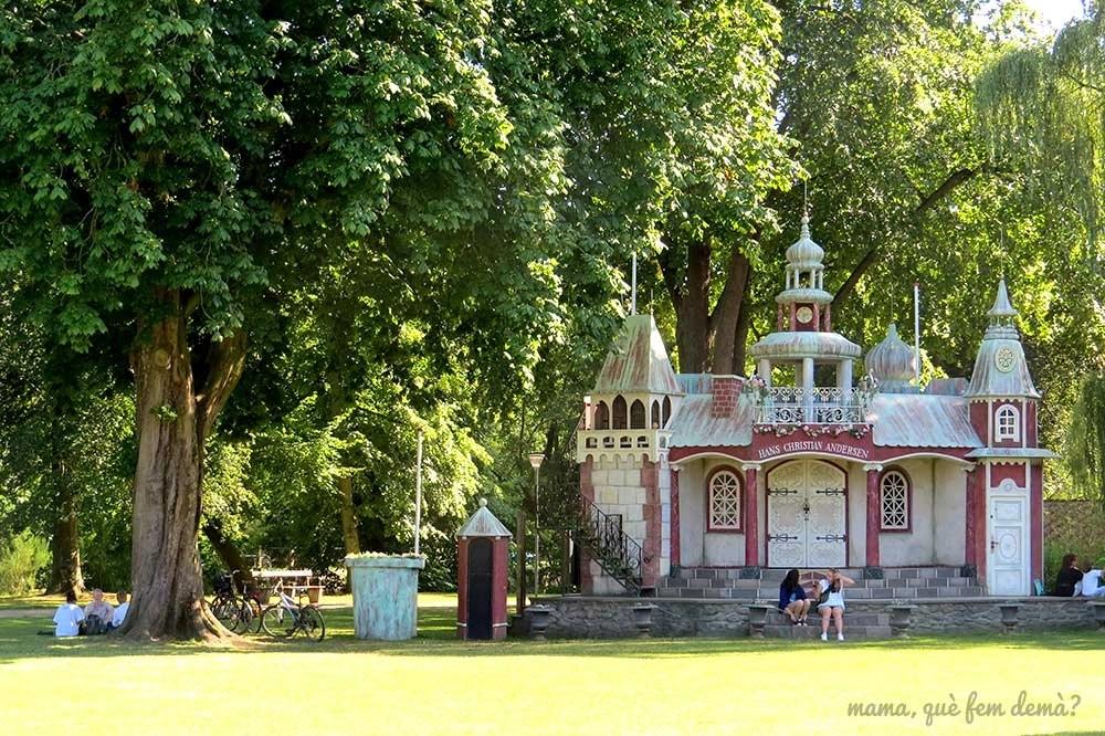 H.C. Andersen Pareden, teatro al aire libre en forma de castillo de cuento de hadas en Odense, Dinamarca