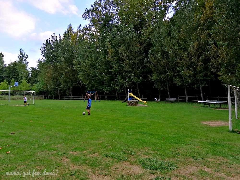 Campo de fútbol del cámping Molí de Vilamala en les Planes d'Hostoles