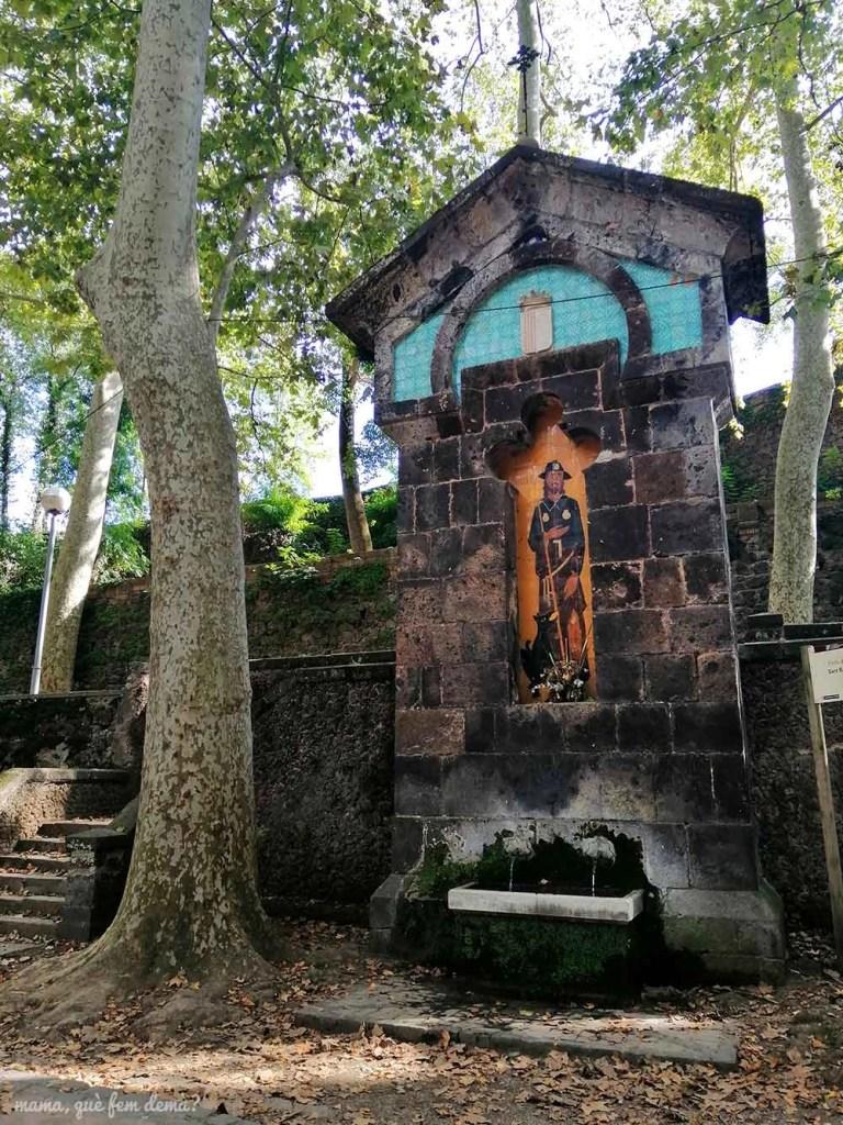 Ermita de Sant Roc en el parque Fonts de Sant Roc de Olot