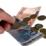 親のクレカ、現金は子供から隠すべき?子供に制限、規制は必要?