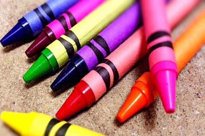 Agosto Mes del Crayón Reciclaje Manualidades Cuidar el Planeta