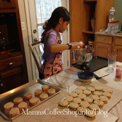 Allowing Creativity and Imagination to Flow at a Moment's Notice {Real Life Homeschool Blog Hop April 2015}