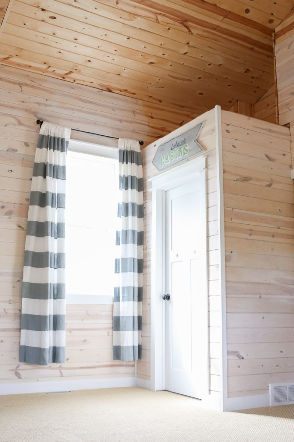 White Washed Pine Planke Walls, White Trim |This Mamas Dance-1