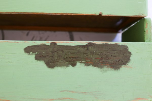 How to Use Antiquing Wax to Age Painted Pieces | This Mamas Dance-3