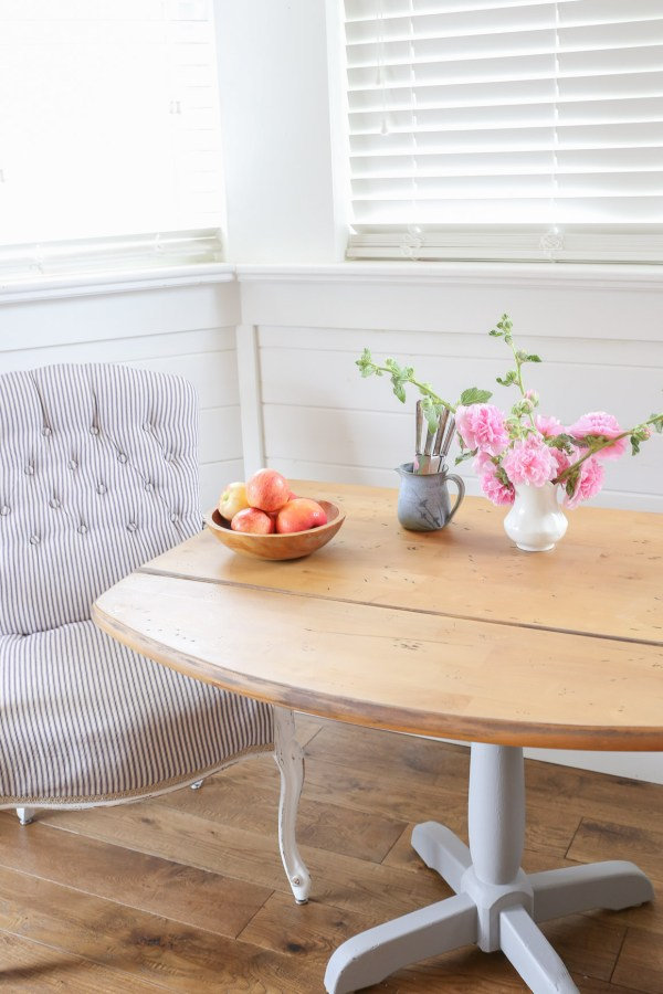 Rustic Farmhouse Style Drop Leaf Pedestal Table |This Mamas Dance-4