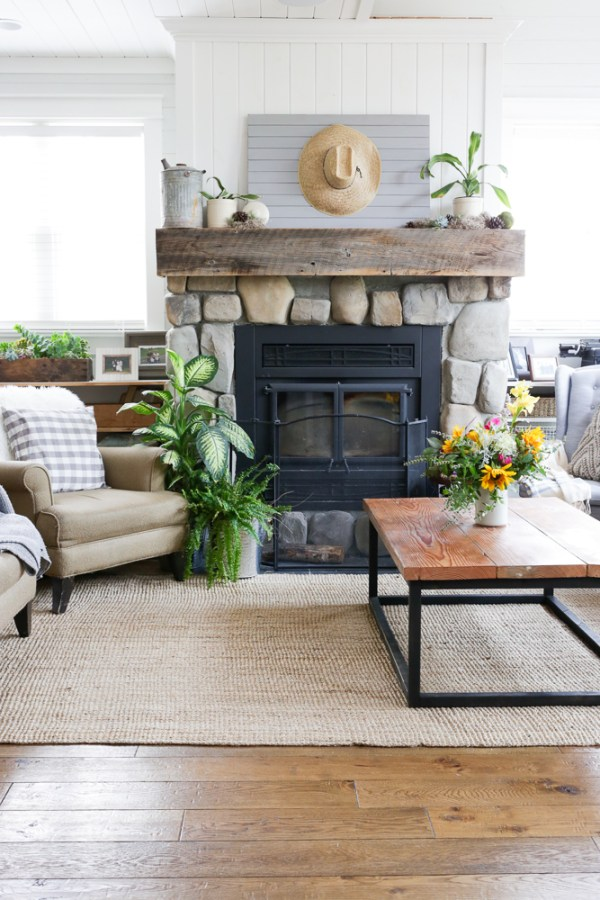 Fall Living Room Tour, Cottage Style | via Ashlea of This Mamas Dance