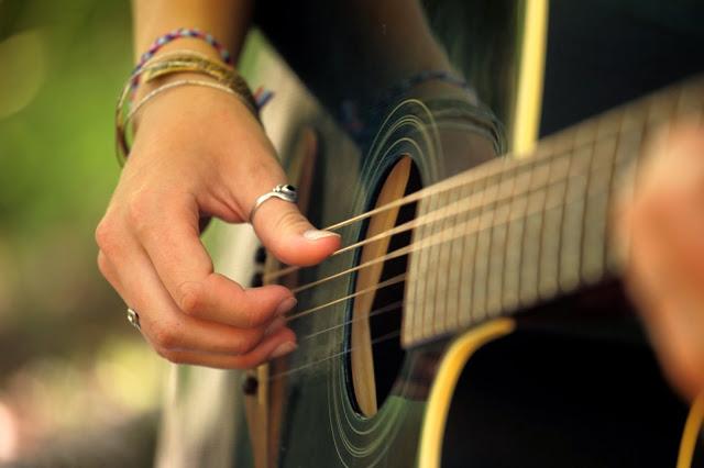 viajar con adolescentes y su música