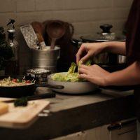 ¿Pedimos comida online para comer en casa?