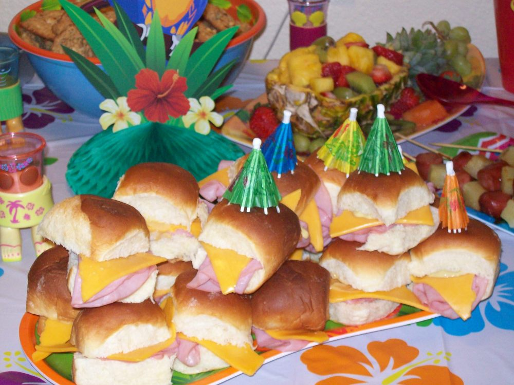 Luau Party Foods (4/6)