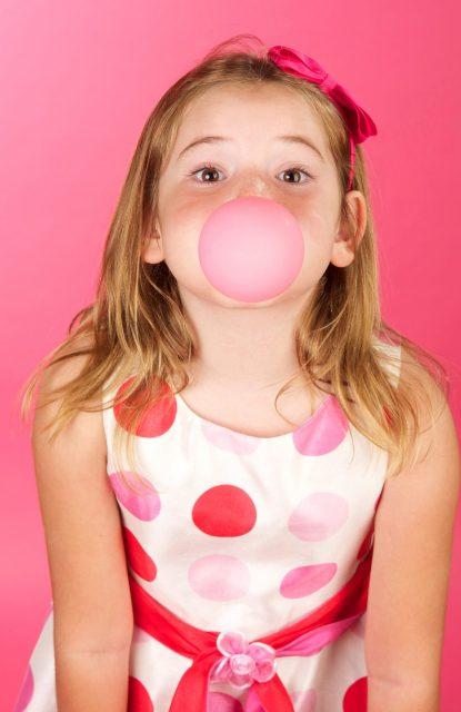 Kauwgom tegen oorpijn  Shutterstock door Donna Ellen Coleman